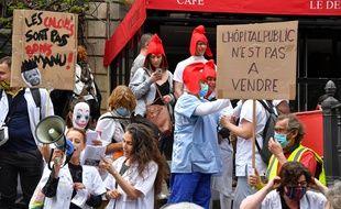 Après une manifestation le 14 juillet dernier, les soignants se mobilisent de nouveau à l'occasion ce jeudi 15 octobre d'une journée de grève et de mobilisation nationale.