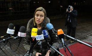 La chef de la diplomatie européenne Federica Mogherini fait une déclaration à la presse, avant une réunion des ministres des Affaires étrangères, le 19 janvier 2015 à Bruxelles