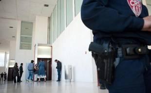 Un policier au tribunal de Pontoise (illustration).