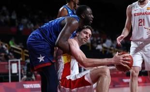 Pau Gasol est à terre : Draymond Green et Team USA sont qualifiés en demi-finale. (Photo Thomas COEX / AFP)