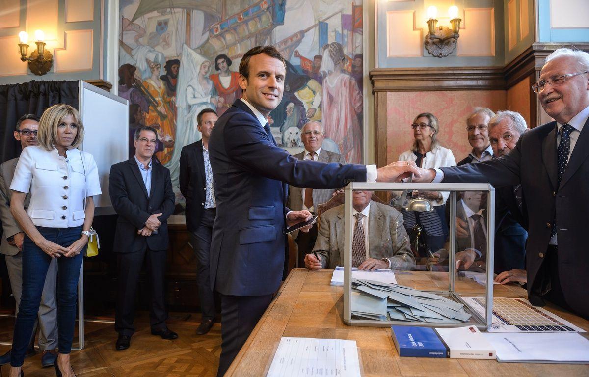 Le président Emmanuel Macron devrait obtenir une forte majorité à l'Assemblée nationale avec 70 à 78% des députés de La République en marche – Christophe Petit Tesson / POOL / AFP