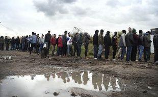 "Illustration d'un campement de migrants dans la ""jungle"" à Calais."
