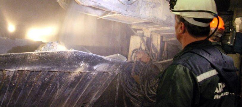 Seize personnes sont portées disparues après l'inondation d'une mine de diamants en Sibérie.