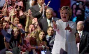 Hillary Clinton acclamée par ses partisans le 7 juin 2016 à New York