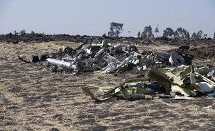 Les débris du Boeing 737 MAX 8 d'Ethiopian Airlines, qui s'est crashé près de Bishoftu, en Ethiopie, le 12 mars 2019, faisant 157 morts.