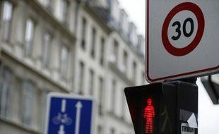 A Grenoble (EELV) , 90% des voies vont passer à 30 km/h dès le 1er janvier 2016, contre seulement 25% aujourd'hui
