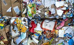 Recyclage de cartons d'emballage.