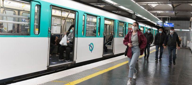 Une rame de métro parisien (illustration)