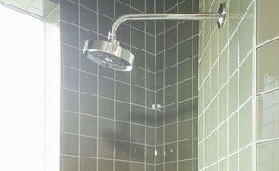 Une douche. (Illustration)