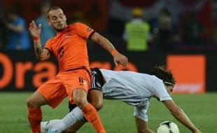 Les Pays-Bas, qui n'ont plus leur destin en mains, sont proches d'une retentissante élimination de l'Euro-2012 dimanche dans le groupe B, tandis que l'Allemagne a déjà un pied en quarts de finale et que Portugal et Danemark luttent à distance pour l'y accompagner.