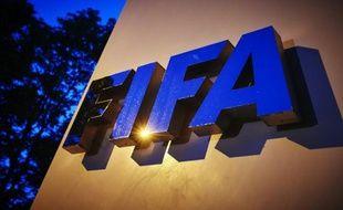 Le logo de la Fifa au siège de l'instance, à Zurich le 2 juin 2015