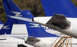 La compagnie aérienne publique Aerolineas Argentinas a annoncé lundi la signature d'un contrat pour acheter 20 Boeing 737/800 pour un montant de 1,8 milliard de dollars.
