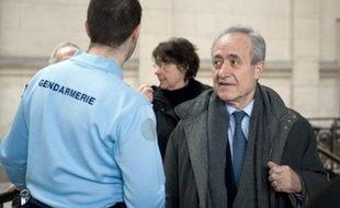 Le maire du Ve arrondissement Jean Tiberi s'est réjoui lundi qu'à ce jour, aucune preuve n'ait été trouvée contre lui, à la veille d'une confrontation générale entre les 11 prévenus jugés dans l'affaire des faux électeurs du Ve.