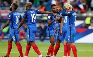 La joie des Français lors de la victoire contre les Pays-Bas (4-0), en éliminatoire de la Coupe du monde 2018, le 31 août 2017 au Stade de France.