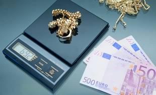 La revente de bijoux en or est un bon moyen d'obtenir rapidement de l'argent net d'impôts.