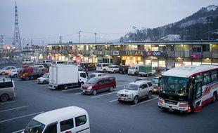 La galerie marchande temporaire d'Otsuchi: 40 boutiques installées sur une ancienne cour d'école depuis décembre 2011.