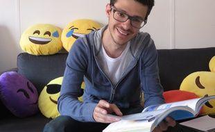 Lyon, le 8 juin 2016 Jeune entrepreneur, Raphael Taieb, 29 ans, a fondé le livrescolaire.fr
