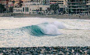 Une vague à Menton en février 2021