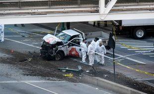 Le chauffeur d'une camionnette a fauché des cyclistes mardi 31 octobre 2017 dans le sud de Manhattan, faisant huit morts et au moins 11 blessés dans un acte qualifié de terrorisme par les autorités.   / AFP PHOTO / Don EMMERT