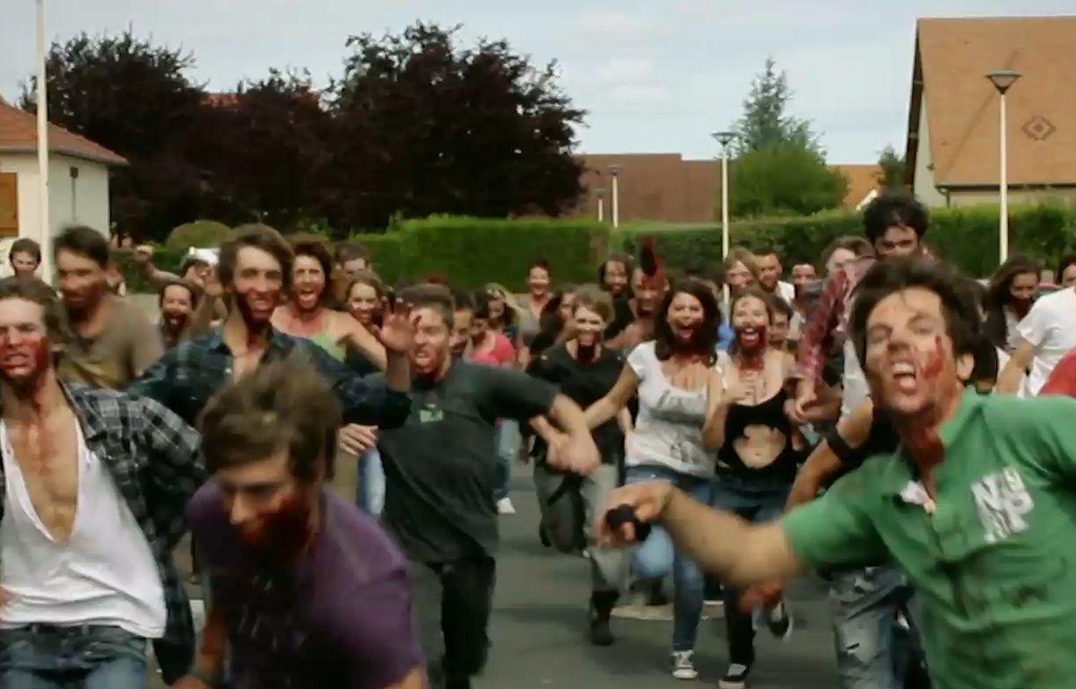 Une invasion de mort-vivants à Caen dans God Bless Zombie. – Paul Germain