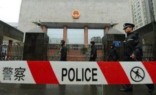 Le chef policier chinois Wang Lijun, ex-bras droit du dirigeant Bo Xilai dont il a déclenché la chute spectaculaire, a été condamné lundi à 15 ans de prison, une nouvelle étape judiciaire dans ce retentissant scandale pour le Parti communiste au pouvoir.