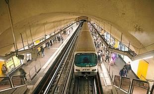 Les rames actuelles du métro ont entre 30 et 40 ans.