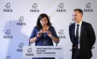 La maire de Paris, Anne Hildalgo et son premier adjoint, chargé des Finances, Emmanuel Grégoire.
