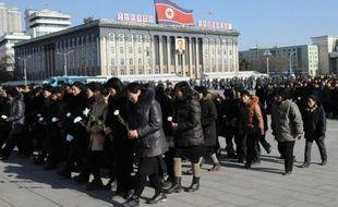 La Corée du Nord se prépare à de grandioses funérailles pour son dirigeant défunt Kim Jong-Il mais le peuple a faim dans les campagnes, soulignent les observateurs.