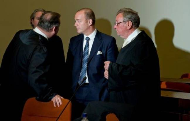 La justice allemande a condamné mercredi un ancien banquier allemand à huit ans et demi de prison ferme pour avoir touché d'énormes pots-de-vin du grand argentier de la Formule 1, Bernie Ecclestone, qui risque d'être poursuivi à son tour.
