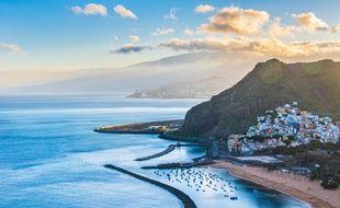 Soleil, palmiers, sable fin, eau chaude... Tenerife possède tous les ingrédients pour des vacances réussies.