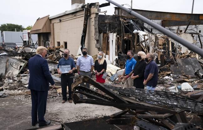 Donald Trump a rendu visite à des commerçants de Kenosha touchés par les violences, le 1er septembre 2020.