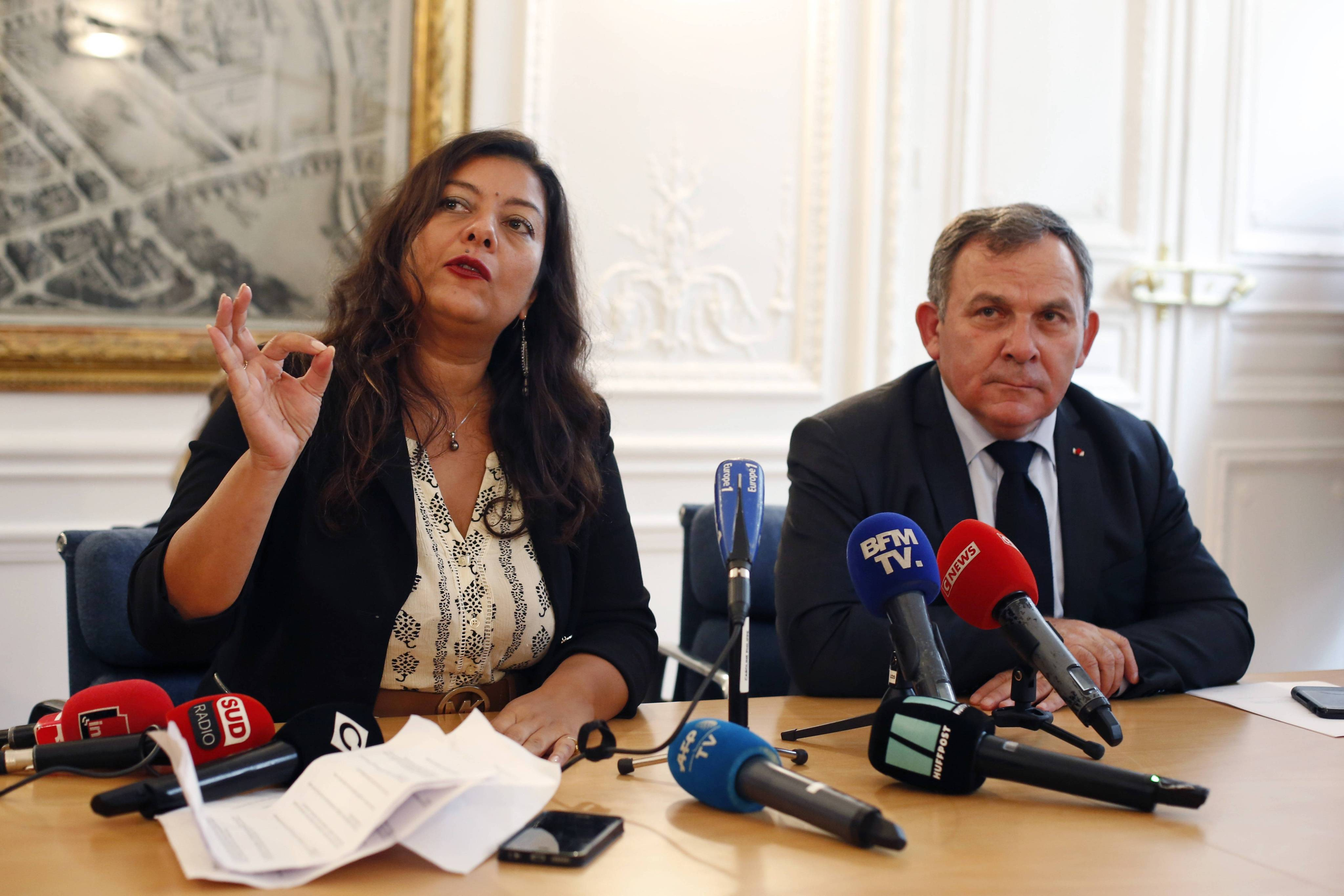 Sandra Muller, l'initiatrice de #BalanceTonPorc, et Francis Szpiner, son avocat. (archives)