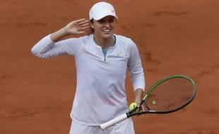 Iga Swiatek, 19 ans, s'est qualifiée pour la finale de Roland-Garros 2020.