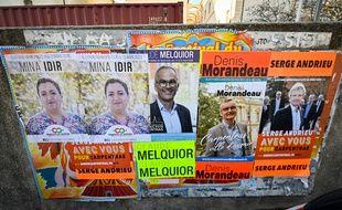 Les panneaux électoraux à Carpentras.