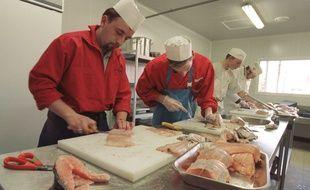 Des apprentis poissonniers dans le Calvados le 10 mars 2000