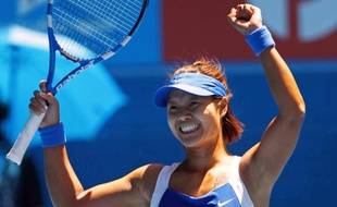La joueuse de tennis chinoise Na Li, lors de sa victoire face à Venus Williams en quart de finale de l'Open d'Asutralie, le 27 janvier 2010.