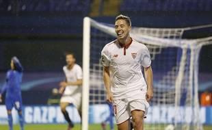 Samir Nasri fête un but avec Séville le 18 octobre 2016.