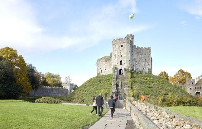 Le château de Cardiff est un incontournable de votre séjour au pays de Galles.