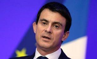 """Cambriolages et vols ont continué d'augmenter en France en 2013, mais le ministre de l'Intérieur Manuel Valls, très critiqué à droite, a promis jeudi de """"renverser la vapeur"""", vantant de """"premiers résultats"""" dans la lutte contre la délinquance."""