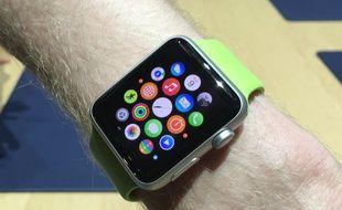 Disponible le 24 avril, l'Apple Watch sera vendue à partir de 399 euros.