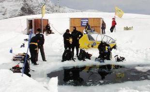 Des tests ont été effectués sous la glace d'un lac gelé, dans les Pyrénées.