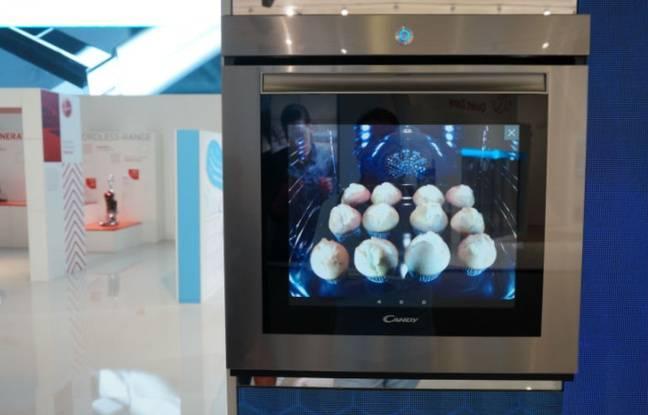 Chez Candy, la porte du four WTC est un écran de 19 pouces aux multiples usages.