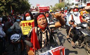 Lors d'une manifestation à Mandalay.