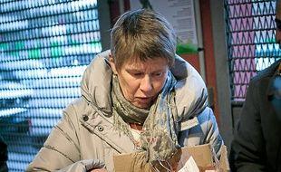Ernestine Morsink vend au sein d'une Amap la viande qu'elle produit.