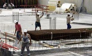Vols de matériaux et d'engins, vandalisme, incendies criminels et même squats : les professionnels du bâtiment s'inquiètent du nombre croissant d'agressions extérieures qui pénalisent l'activité de leurs chantiers et pèsent sur leur rentabilité.