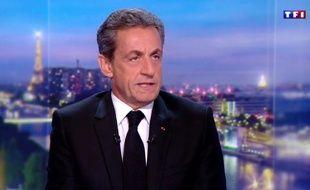 Nicolas Sarkozy sur le plateau du «20 heures» de TF1, jeudi 22 mars.