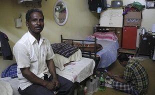 Shahabuddin, un plâtrier bangladais, qui vit dans un «labor camp» de Doha, au Qatar