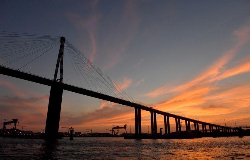 Loire-Atlantique : Elle accouche sur le pont de Saint-Nazaire, le petit Côme se porte bien