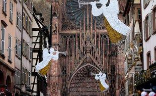 Les anges, rue Mercière à Strasbourg le 26 11 2014.