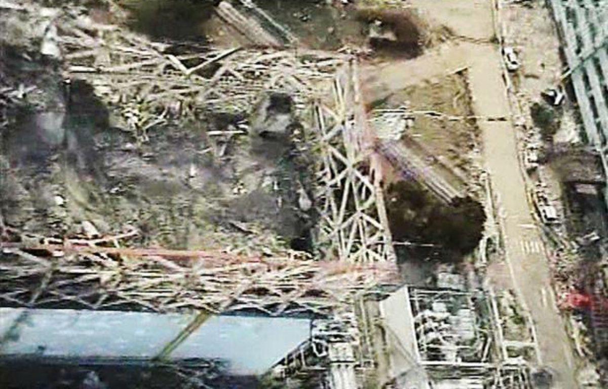 Capture d'écran d'une vidéo tournée le 10 avril 2011, au dessus du réacteur n°1 de la centrale de Fukushima, au Japon. – NEWSCOM/SIPA